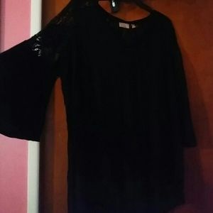Stitch fix bell sleeved top